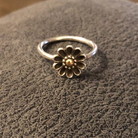 Pandora Jewelry - Pandora Oopsie Daisy Ring